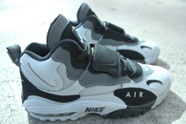 on sale 5ca1c e3740 Nike Air Max Speed Turf