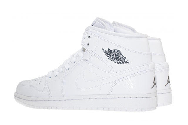 AIR-JORDAN-1-MID-WHITE-HEEL
