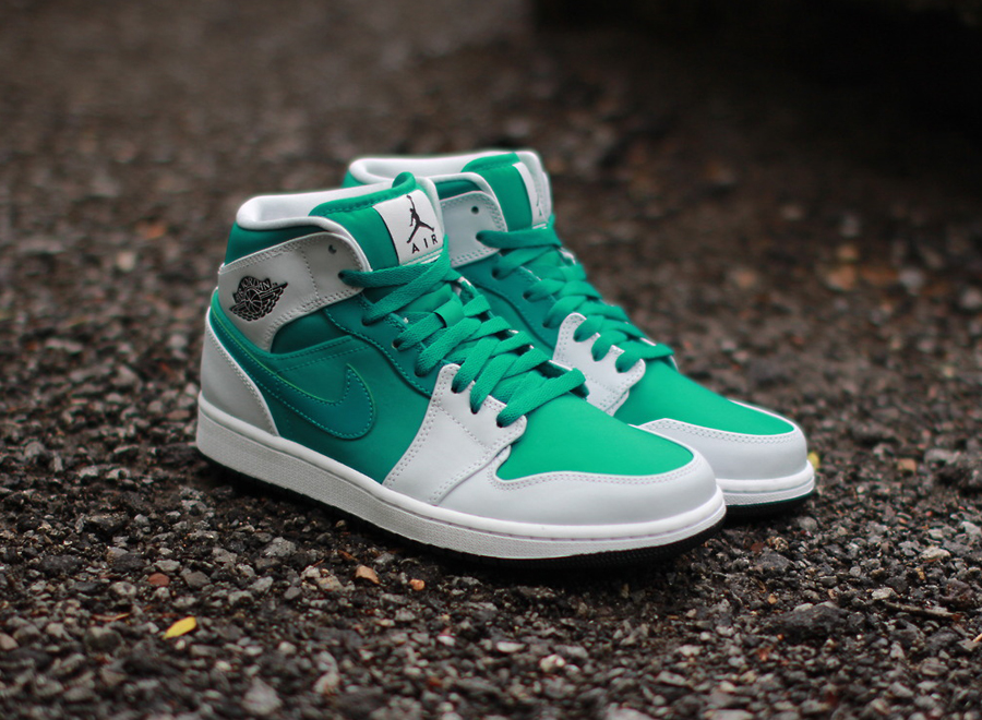 air-jordan-1-mid-pure-platinum-lush-teal-2
